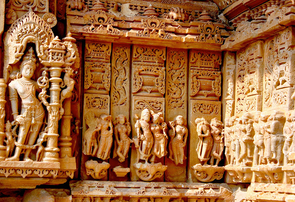 erotic carvings at Saas Bahu temples, erotica in Rajasthan, Rajasthan temples, Udaipur, temples near Udaipur, Indian mythology, religious erotica, Hinduism, Saas Bahu temples, Nagda, Rajasthan, Rajasthan heritage, Udaipur attractions, excursions from Udaipur, India, Incredible India, travel, heritage, architecture, sculpture, archaeological ruins