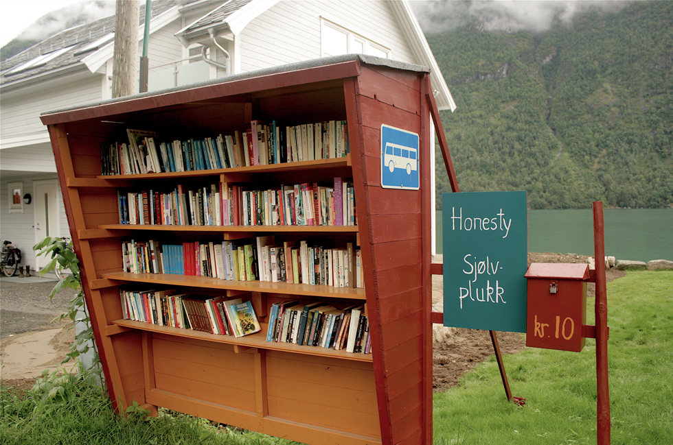 Norwegian book town, Bokbyen, books, book shop, bookstore, bus stop, reading, Mundal, Fjærland, Norway, honesty box, Scandinavia, travel, book town, literature, literary, second-hand books, antiquarian, antiquarian books, antiquarian bookstore, Sognefjord, fjord
