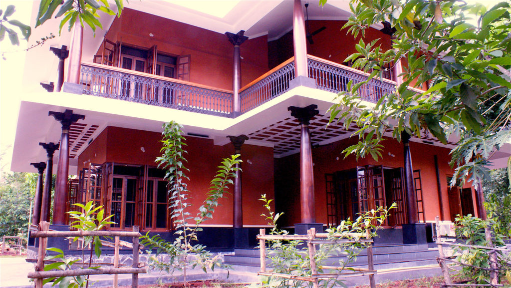 heritage guest house at Adishakti Theatre, accommodation in Pondicherry, Adishakti, Adishakti, Adishakti Theatre, theatre commune, theatre community, living in a commune, traditional architecture, Laurie Baker mud construction, alternate travel, hotels, performing arts, theatre, experimental theatre, plays, music, theatre workshop, music workshop, arts, Pondicherry, Puducherry, Villupuram District, Tamil Nadu, India, South India, culture, eco travel, green travel, voluntourism, volunteer opportunities, self-sustaining communities, travel
